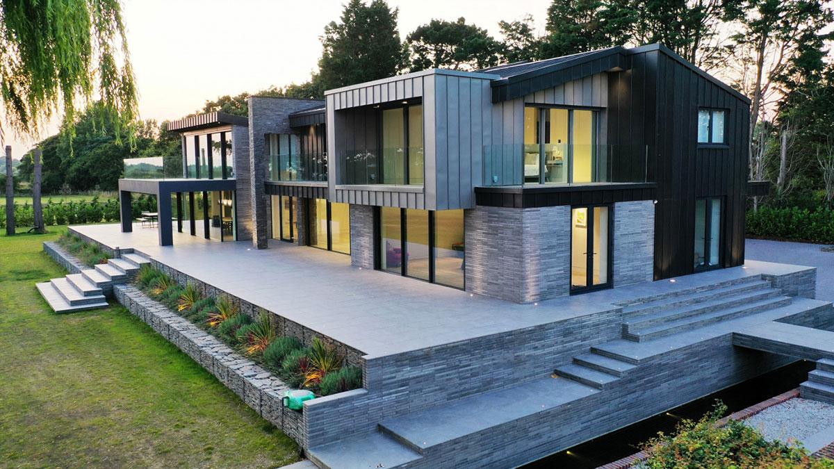 marsh farm glass balustrades project uk